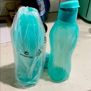 2 Tupperware Drinking Container - flip up lid